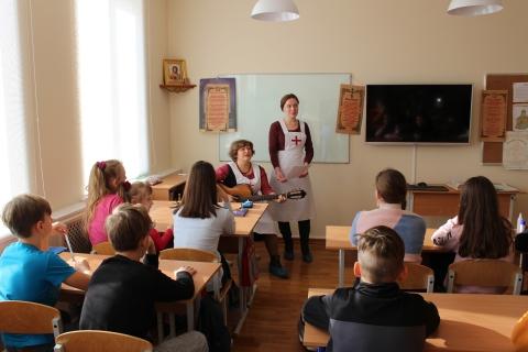 Сестры милосердия в гостях в воскресной школе