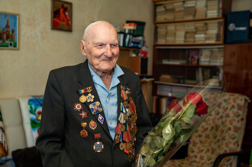 99 лет исполнилось ветерану из Таганрога