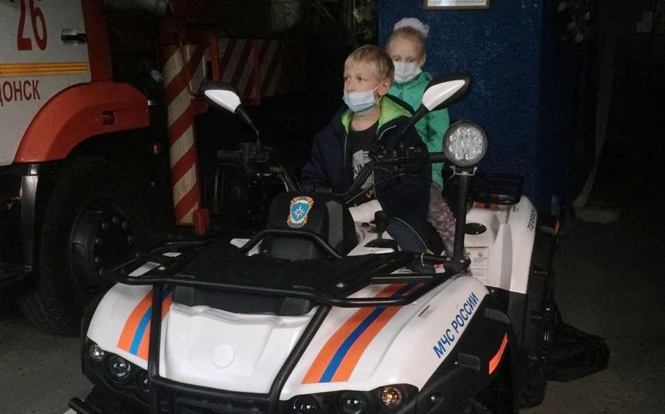 На Дону двое детей спаслись на пожаре