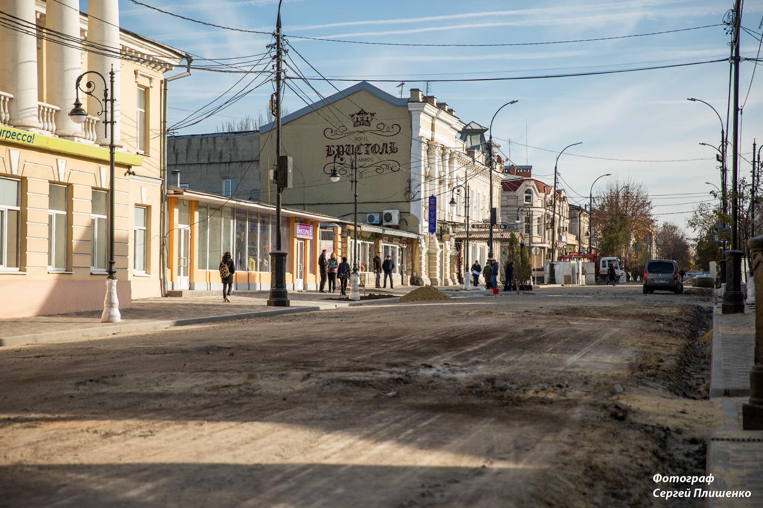 На улице Петровской высадили новые деревья