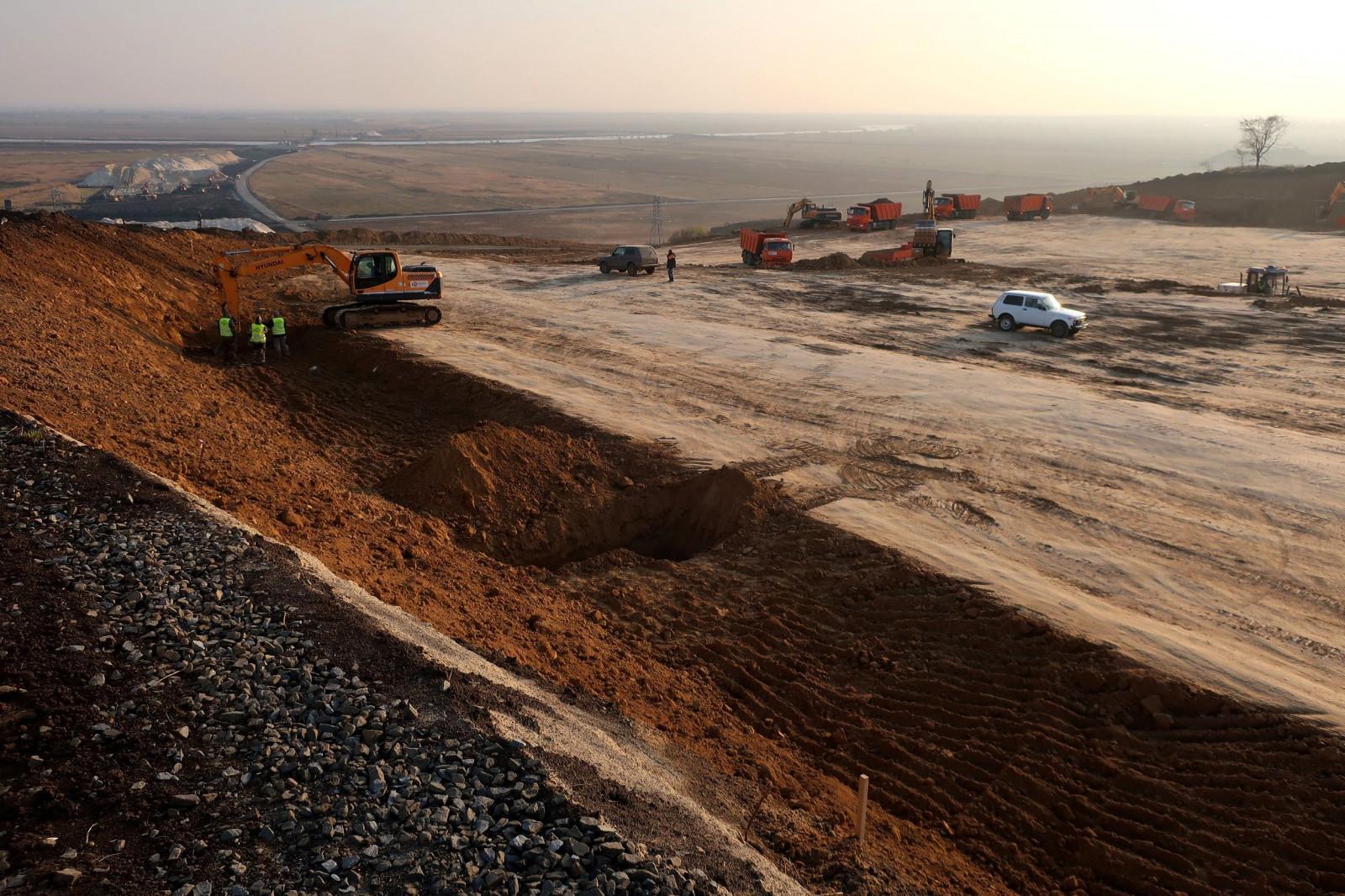 На трассе М-4 «Дон» начали строить сложный участок