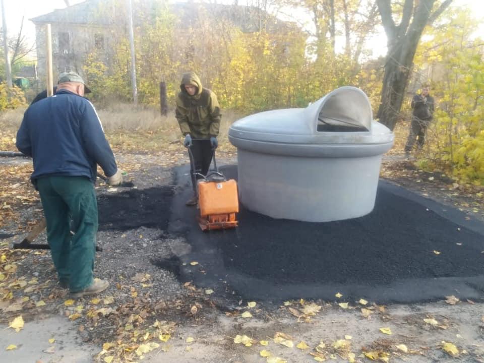В Таганроге обустраивают контейнерные площадки