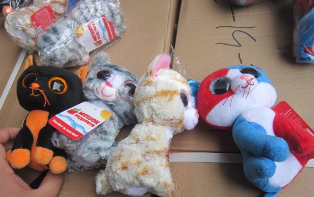 На Дону продавали поддельные игрушки и сигареты