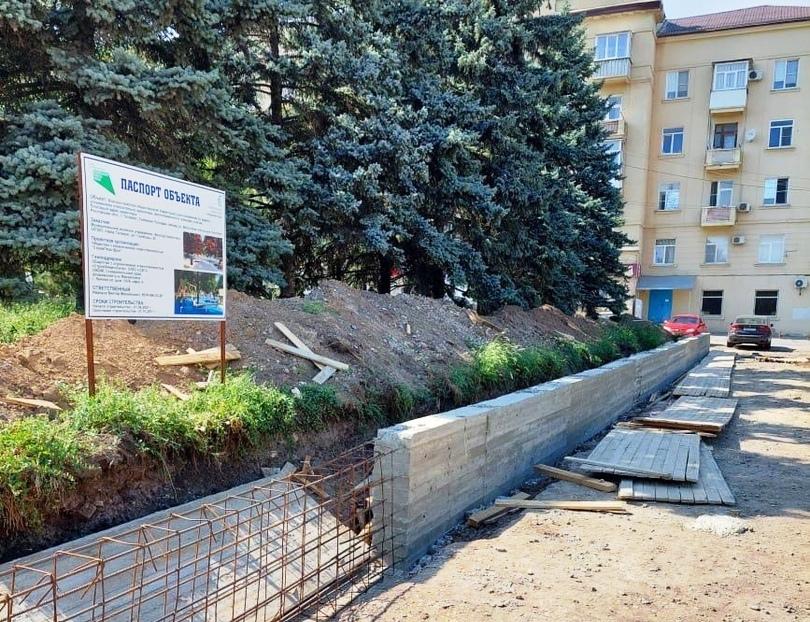 Благоустройство Северной площади продолжается в Таганроге