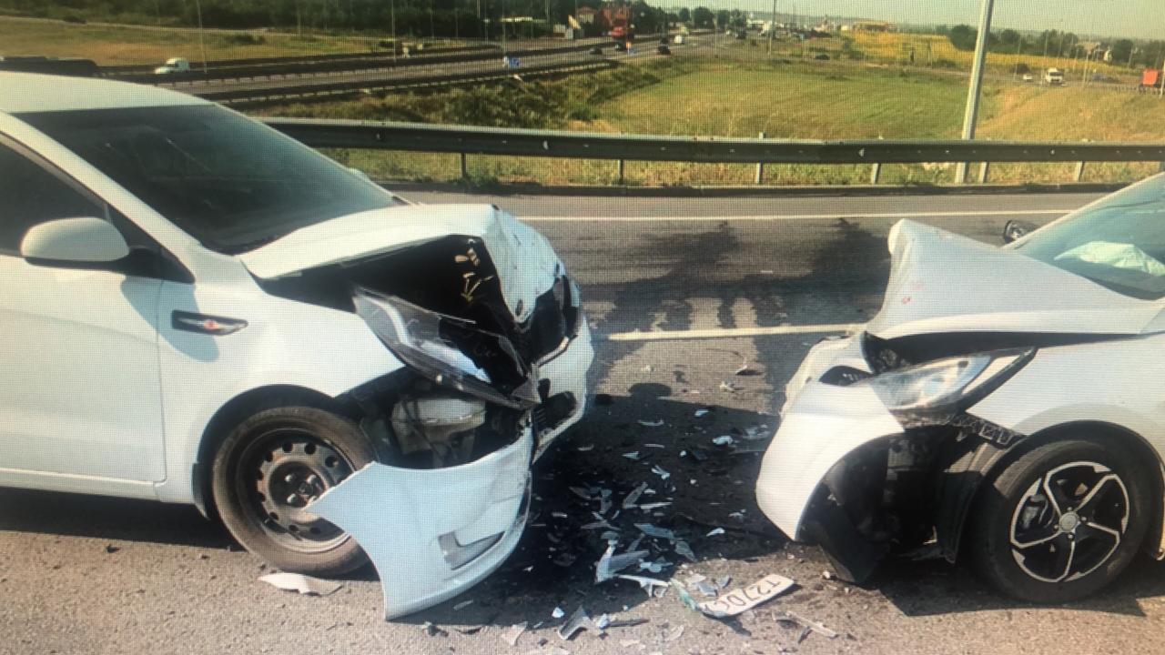 В лобовом ДТП на донской трассе пострадали двое