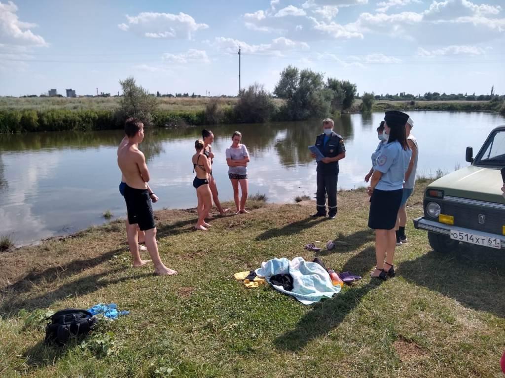 Донские спасатели проводят рейды на водоемах области