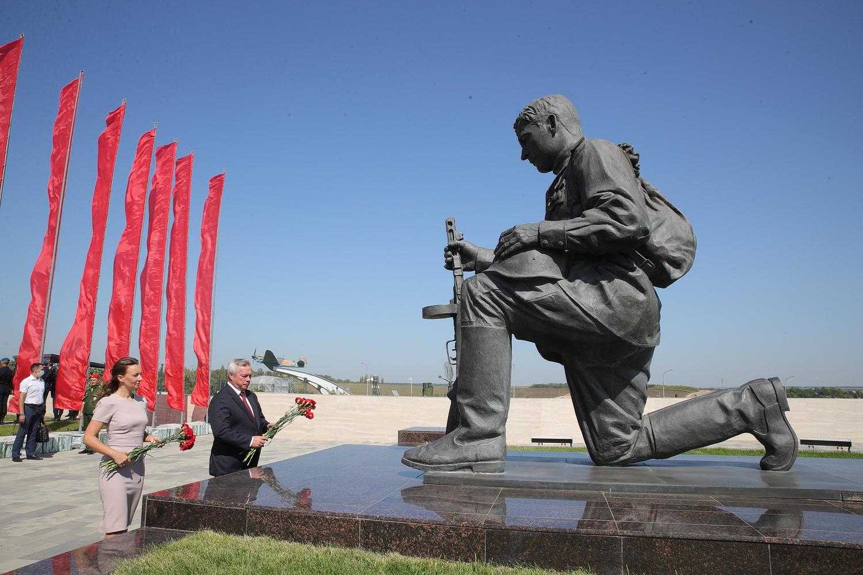 На Самбекских высотах проходят памятные мероприятия
