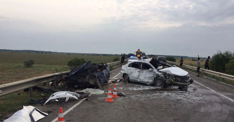 Два человека погибли в лобовом ДТП на трассе