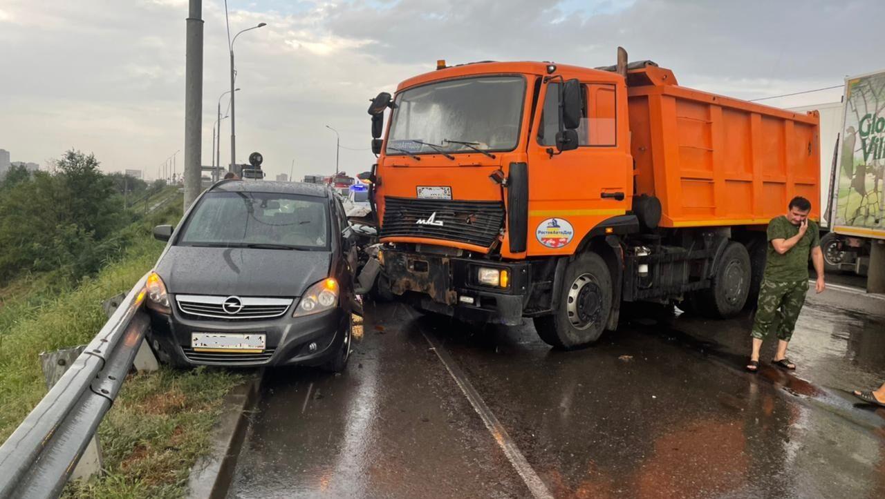 Четыре машины столкнулись на Северном подъезде к Батайску