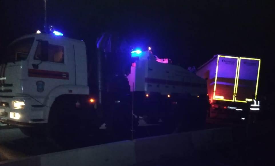Два седельных тягача столкнулись на автодороге М-4 «Дон»