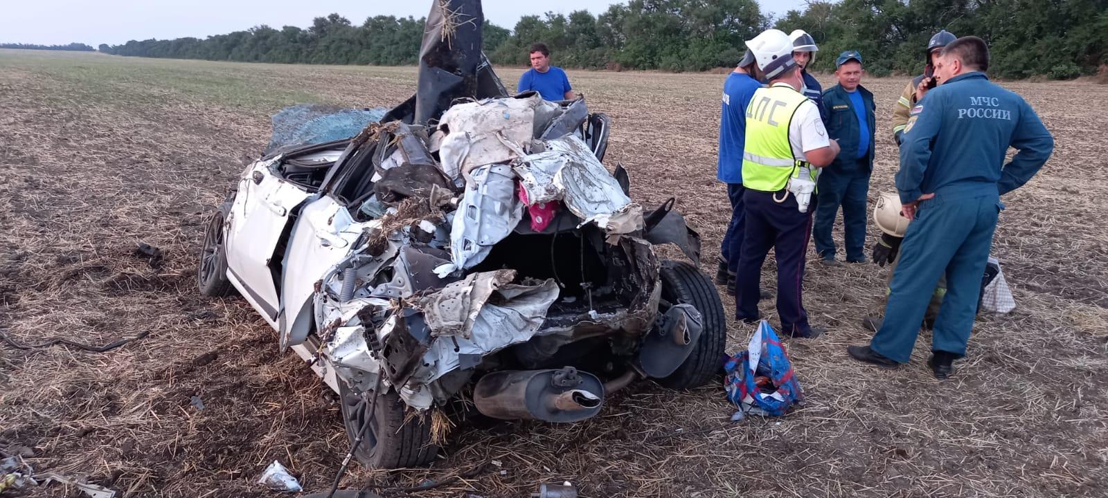 Слетел с дороги: водитель погиб в ДТП на трассе
