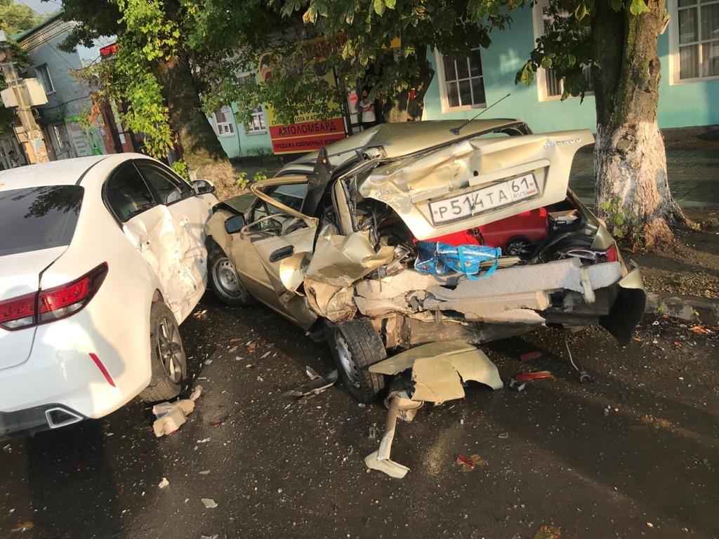 В Ростовской области пьяный водитель разбил 4 машины