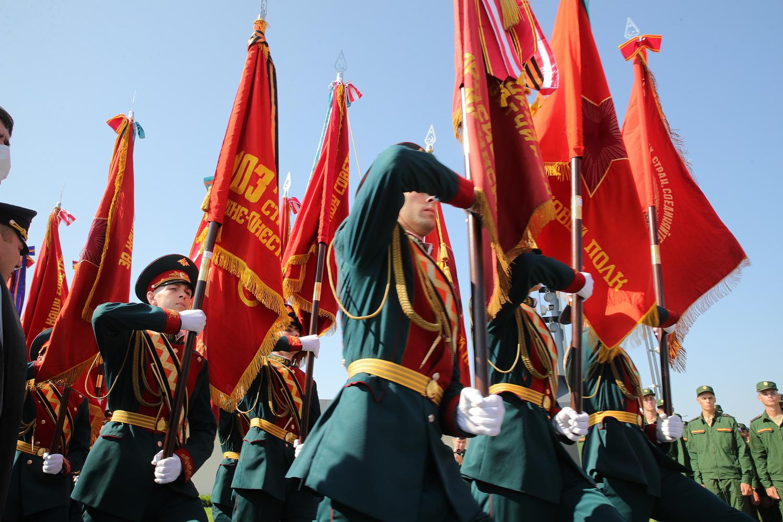 15 боевых знамен переданы музею «Самбекские высоты»
