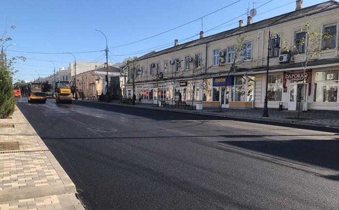 В Таганроге завершен ремонт на участке улицы Петровской