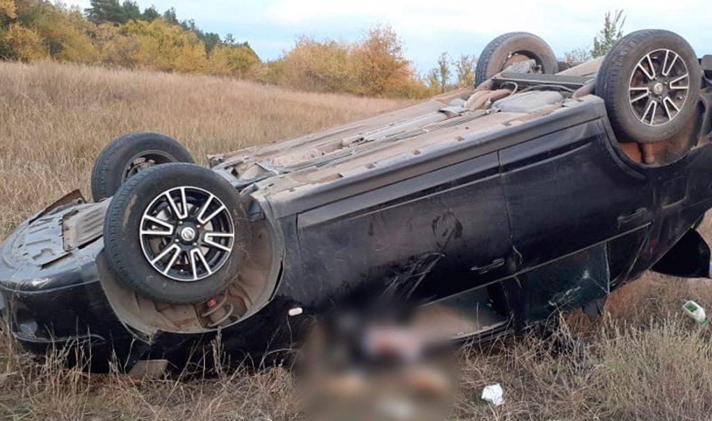 Слетела с дороги: женщина погибла во время ДТП