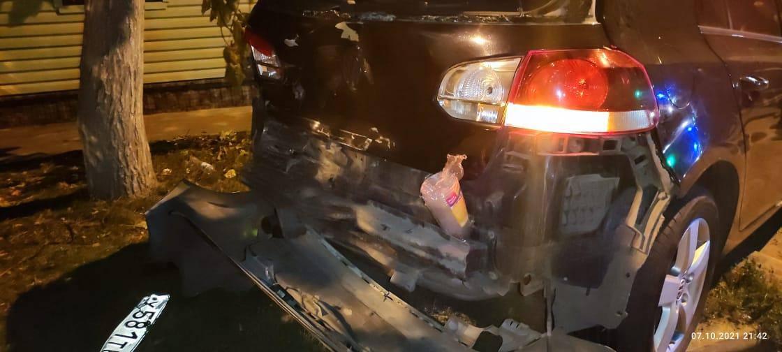 На Дону во время ДТП машину отбросило на пешехода
