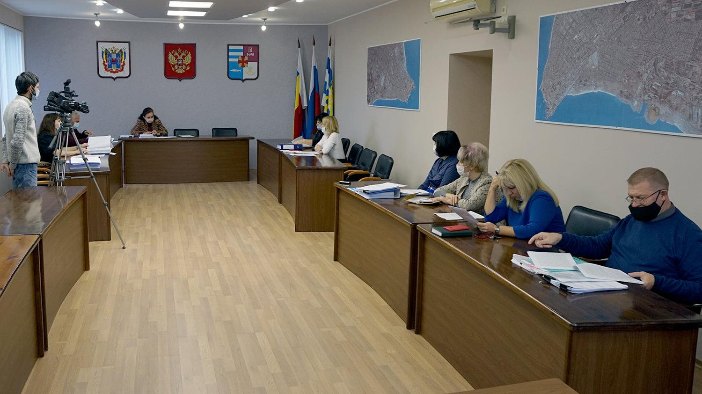 Информацию по проекту бюджета Таганрога обсуждают депутаты
