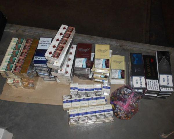 Более 500 пачек сигарет изъяли на границе области